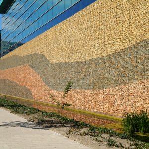 Facades and (dam) walls
