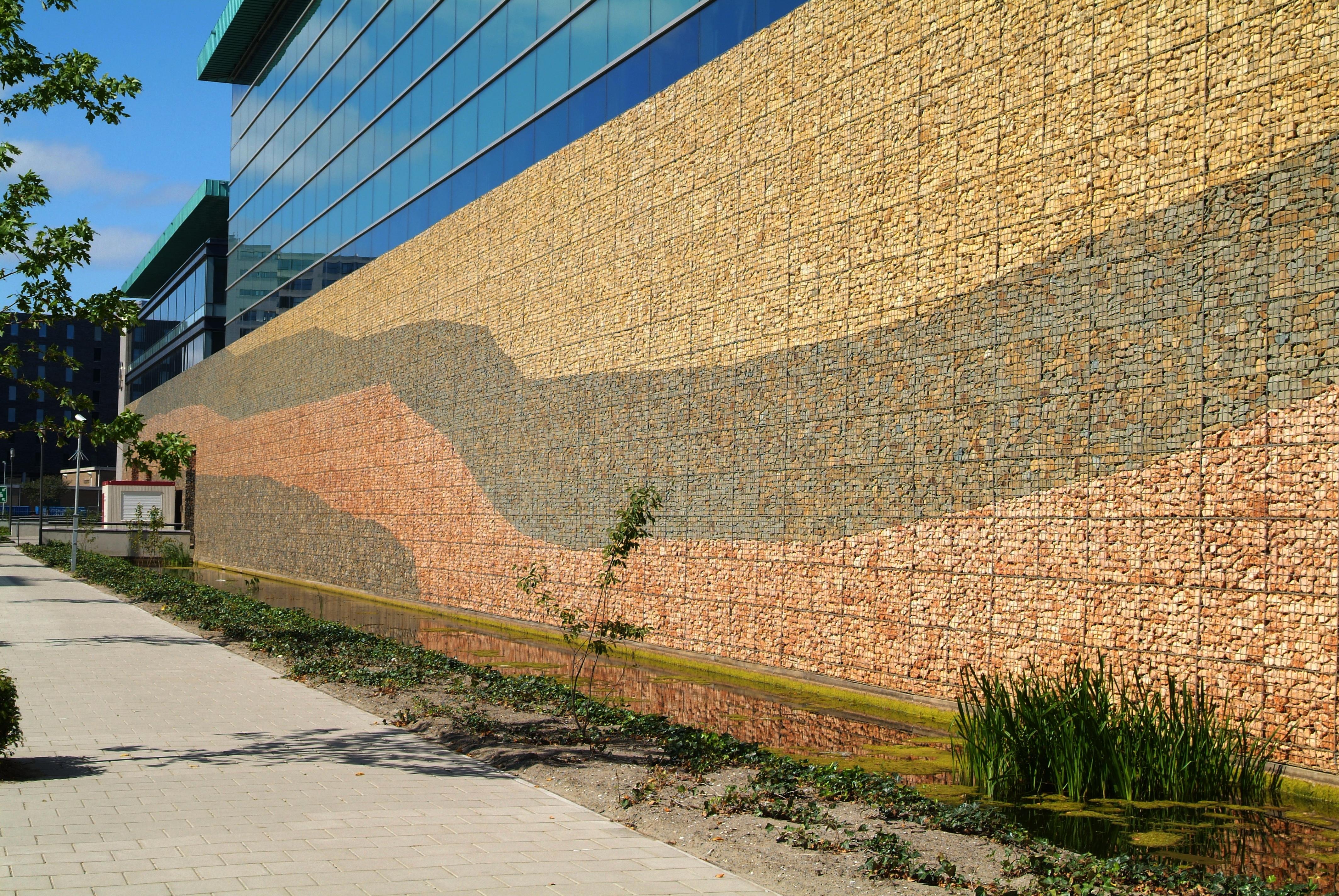 Fassaden und (Damm-) Wände